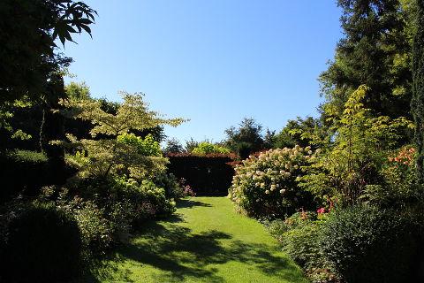 Herbaceous border in the Jardins du Pays d'Auge