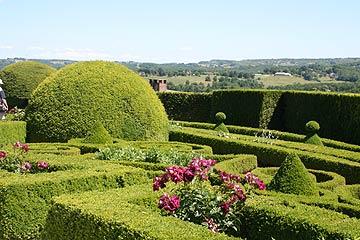 Superbe French Gardens