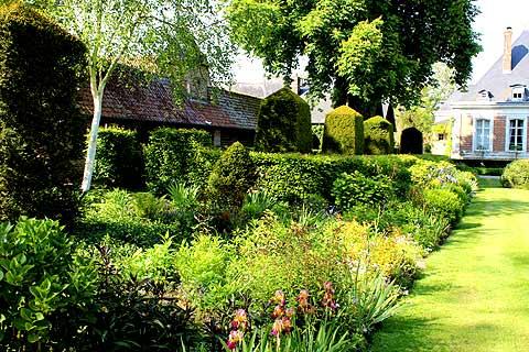 Les Jardins de Maizicourt, a garden in the north-east of France