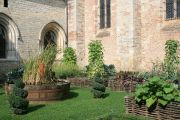 cathedral-garden