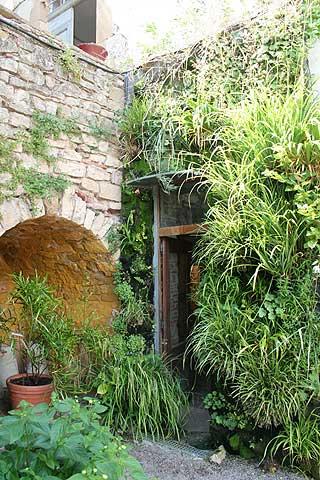 les jardins des paradis a garden in the south of france. Black Bedroom Furniture Sets. Home Design Ideas