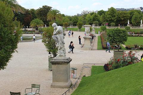 jardin du luxembourg statues - Le Jardin